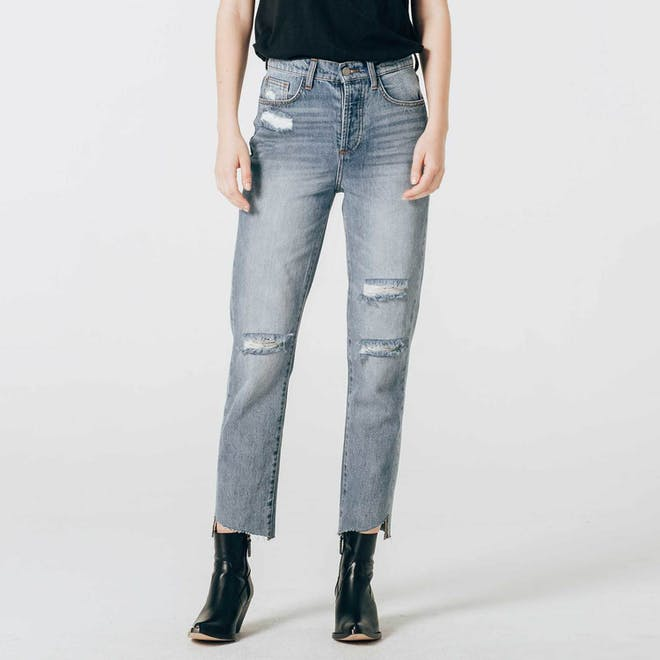 High Rise Boyfriend Jeans in Medium Vintage