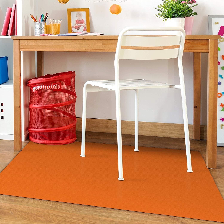 chair mat, hardwood floor