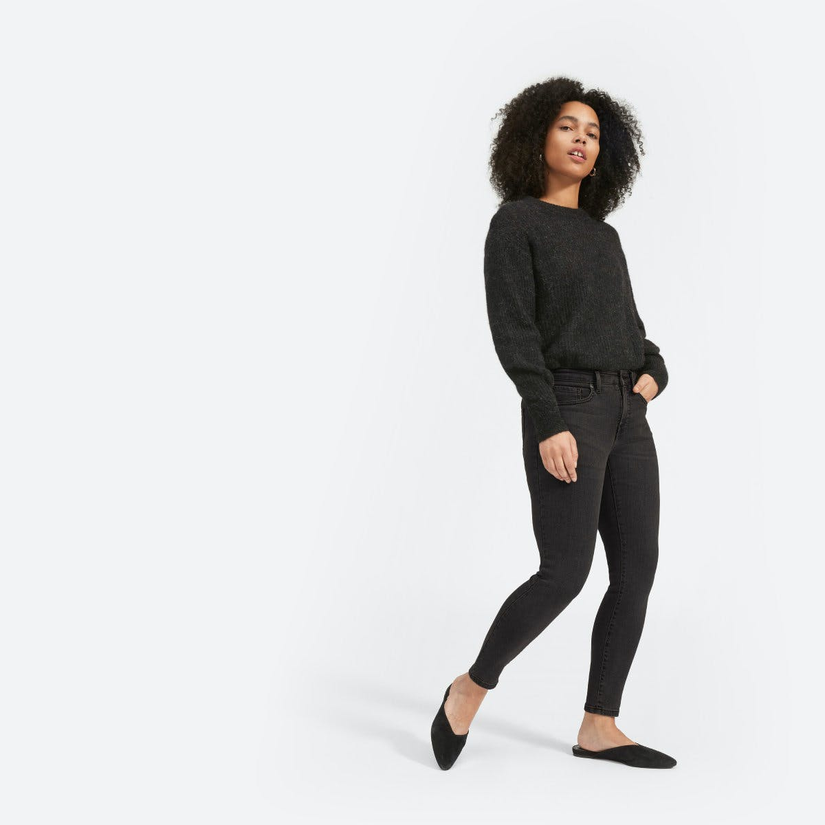 everlane, everlane jeans, everlane denim, japanese denim, skinny jeans, cropped jeans, mid rise jeans, washed black denim, black denim, denimblog, denim blog