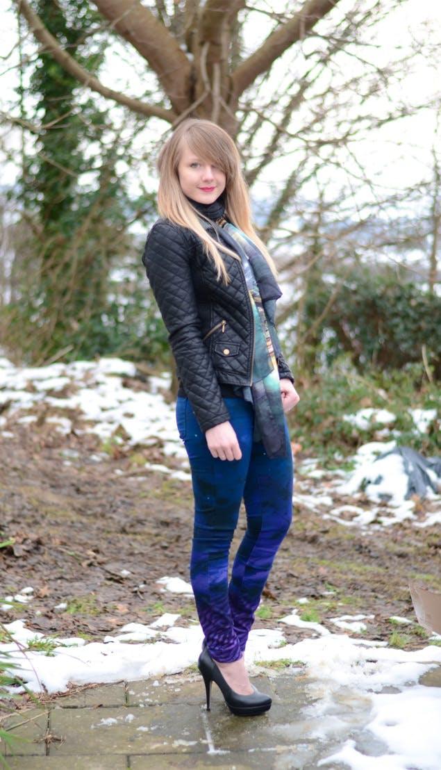 Lorna in Paige Verdugo Jeans
