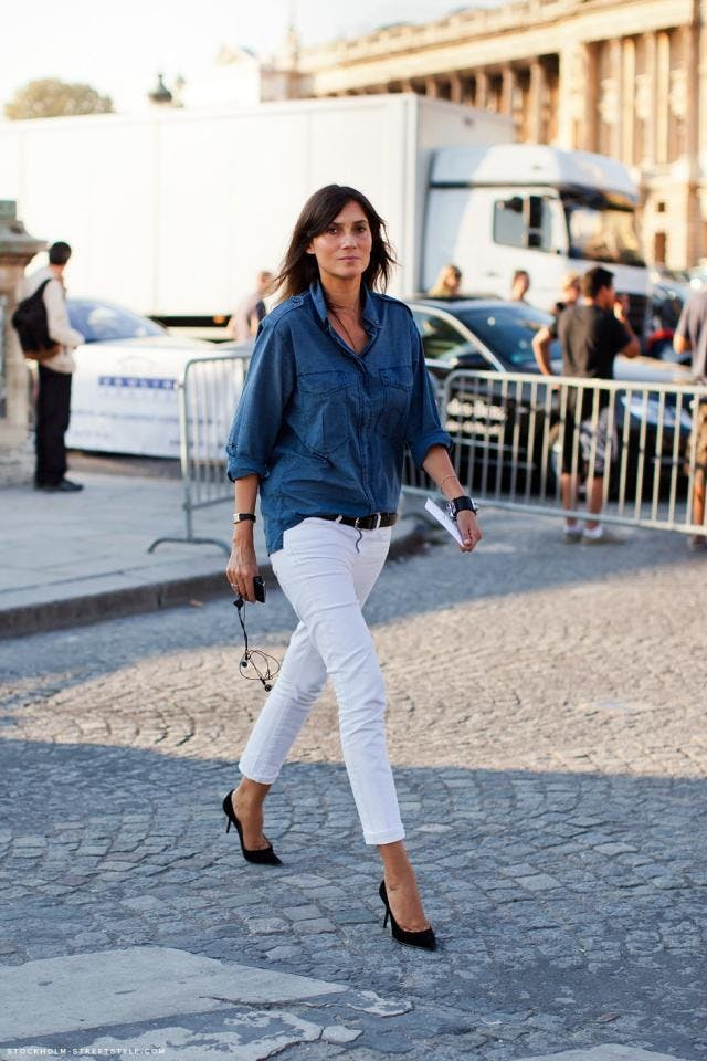 denim shirt with white jeans women